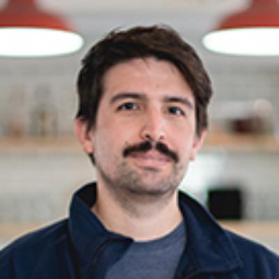 Leo Bauza